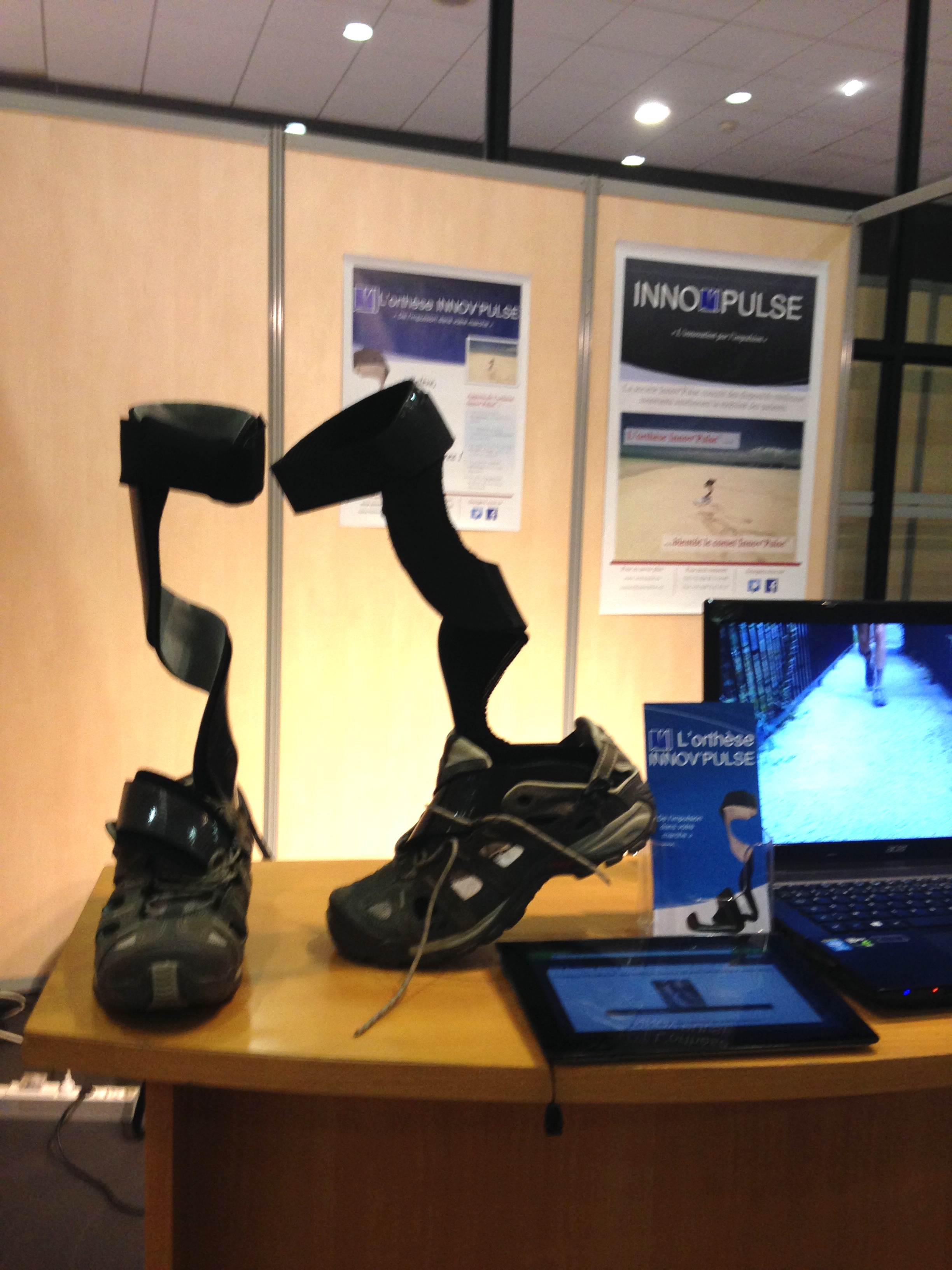 Orthèses sur le stand InnovPulse au Salon professionnel des orthoprothésistes ISPO 2014